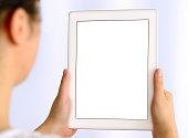 女性ホワイトスクリーンタブレット pc を使用して