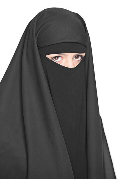 veiled frau - burka stock-fotos und bilder