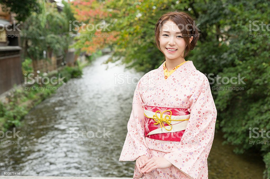 Woman wearing a kimono in Kyoto zbiór zdjęć royalty-free