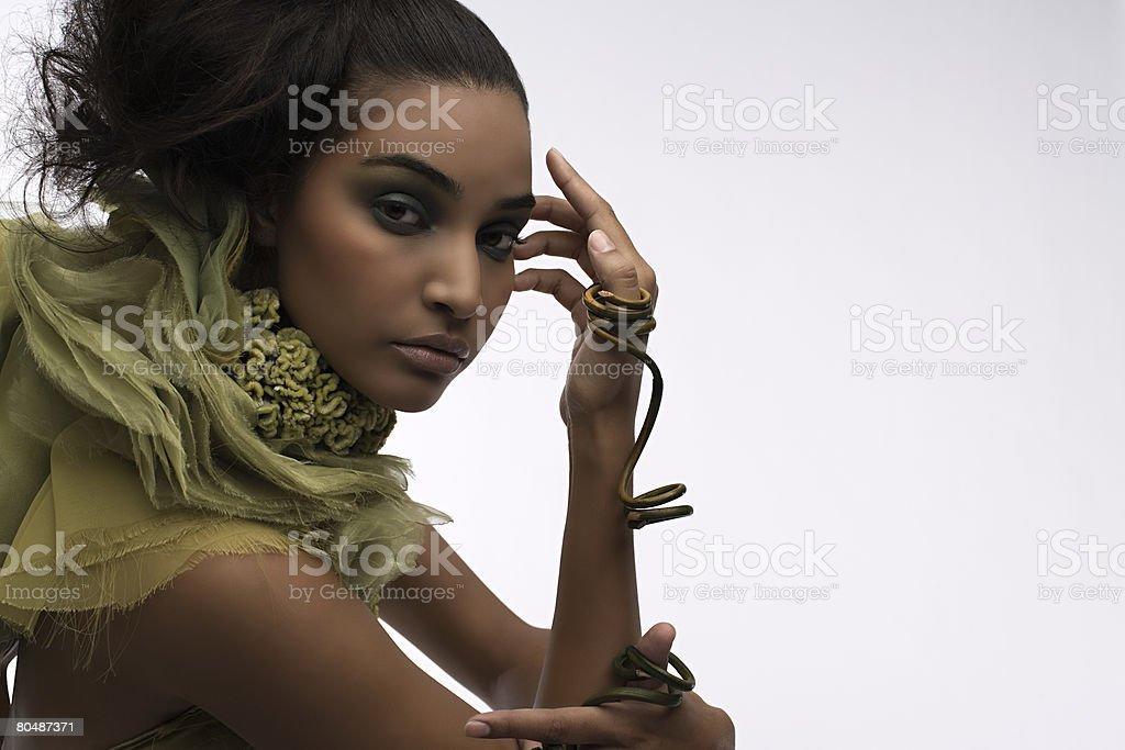 女性着用植物のリング ロイヤリティフリーストックフォト