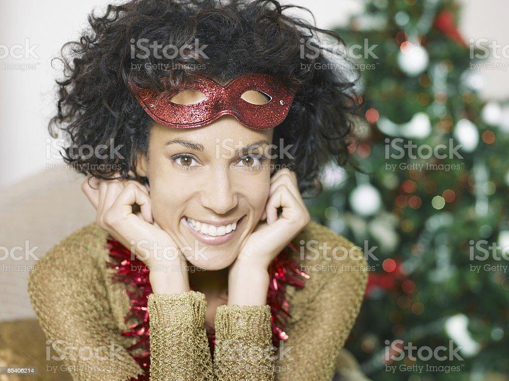 Femme portant masque rouge photo libre de droits