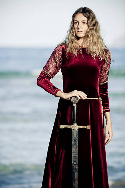 mittelalterliche lady - prinzessinnenstil stock-fotos und bilder