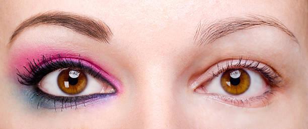 frau mit augen make-up und ohne - blaues augen make up stock-fotos und bilder