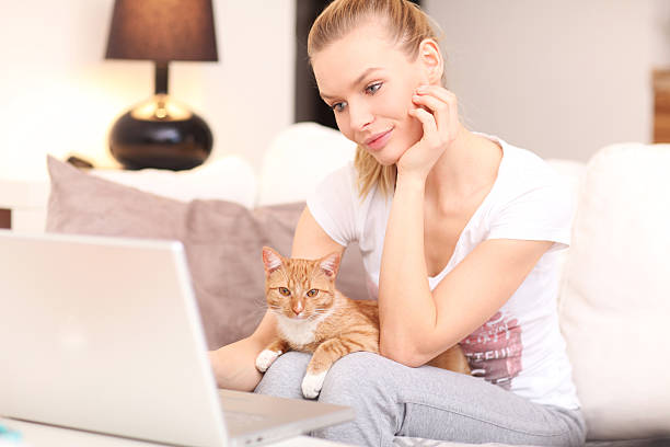 Woman with cat picture id486260881?b=1&k=6&m=486260881&s=612x612&w=0&h=buovo5oc6ziz 5kkrfddygtppgfpfsjnl0xoisnl nc=