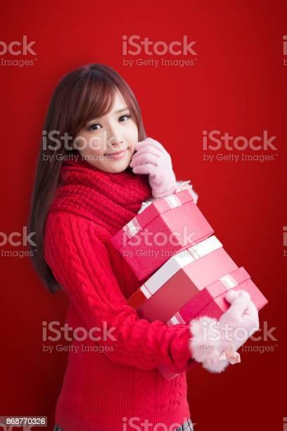 Woman with christmas picture id868770326?b=1&k=6&m=868770326&s=612x612&h=fng6wn4b9vgxzylcl12cjbjdcighfgzwgdzrqmtjcvw=