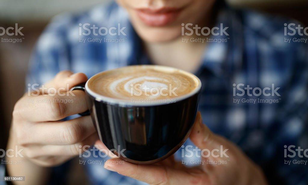 Kadın kahve ile - Royalty-free 20'lerinde Stok görsel