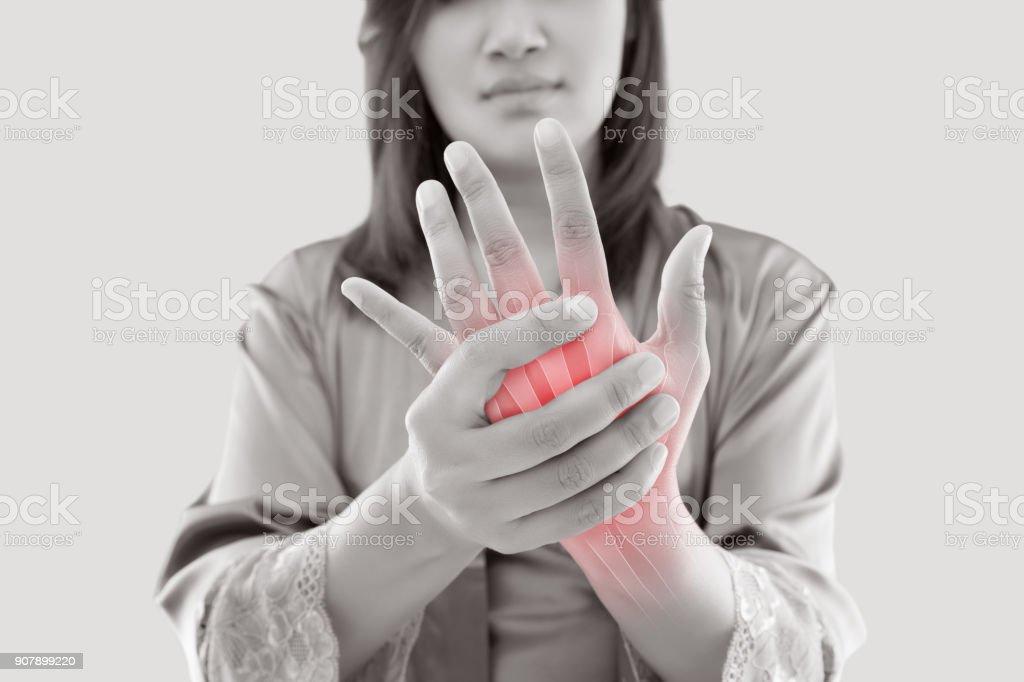 Frau mit hand Schmerzen – Foto