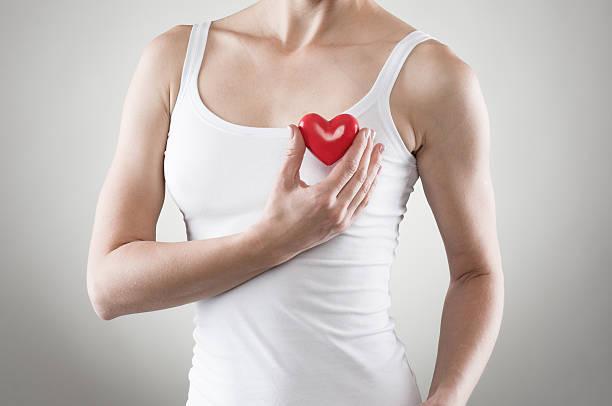 Frau mit Herz Form – Foto