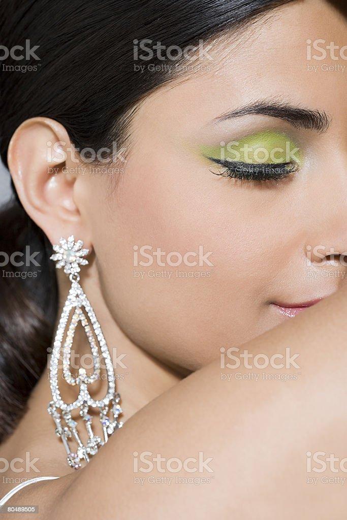 Eine Frau mit Ihren Augen geschlossen Lizenzfreies stock-foto