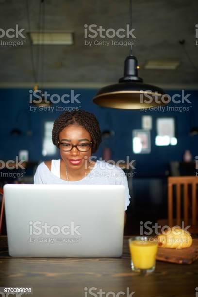 Woman with laptop picture id970086028?b=1&k=6&m=970086028&s=612x612&h=qaycz6l7otfediy5odb27yu1edivmkj9taovszhbt8o=