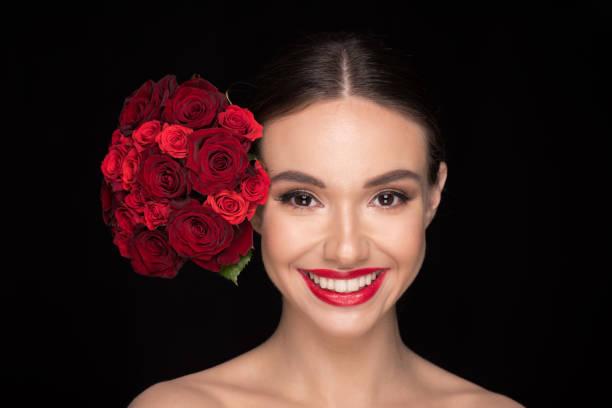 Woman with roses bouquet picture id657455906?b=1&k=6&m=657455906&s=612x612&w=0&h=nzepa0nngqvuh4qs5bx9jjo19 2lrsfsmuthxetxryw=