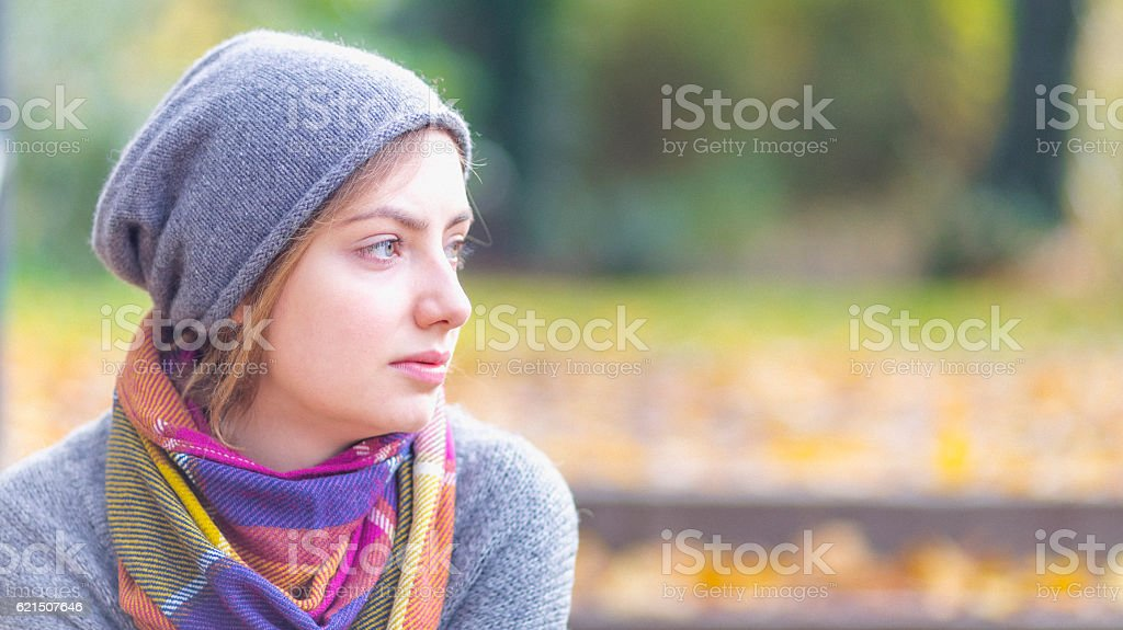 Woman with scarf and hat photo libre de droits