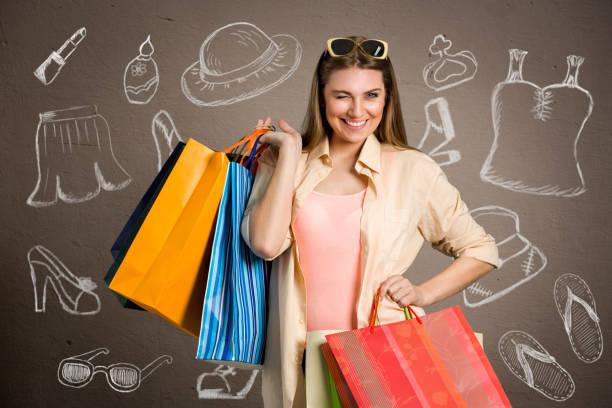 kvinna med shoppingväskor köpt cloes och skor - kvinna cloes up bildbanksfoton och bilder