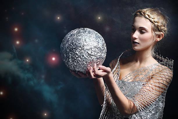 Frau mit silver bullet – Foto