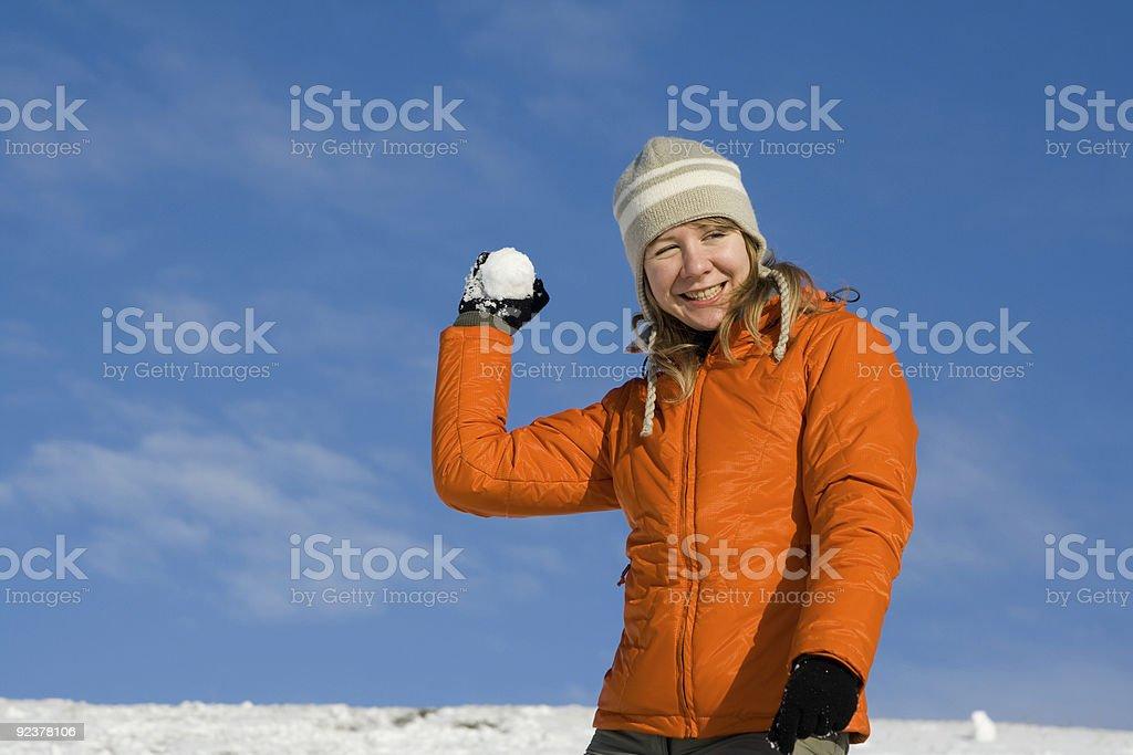 Frau mit Schneeball Lizenzfreies stock-foto