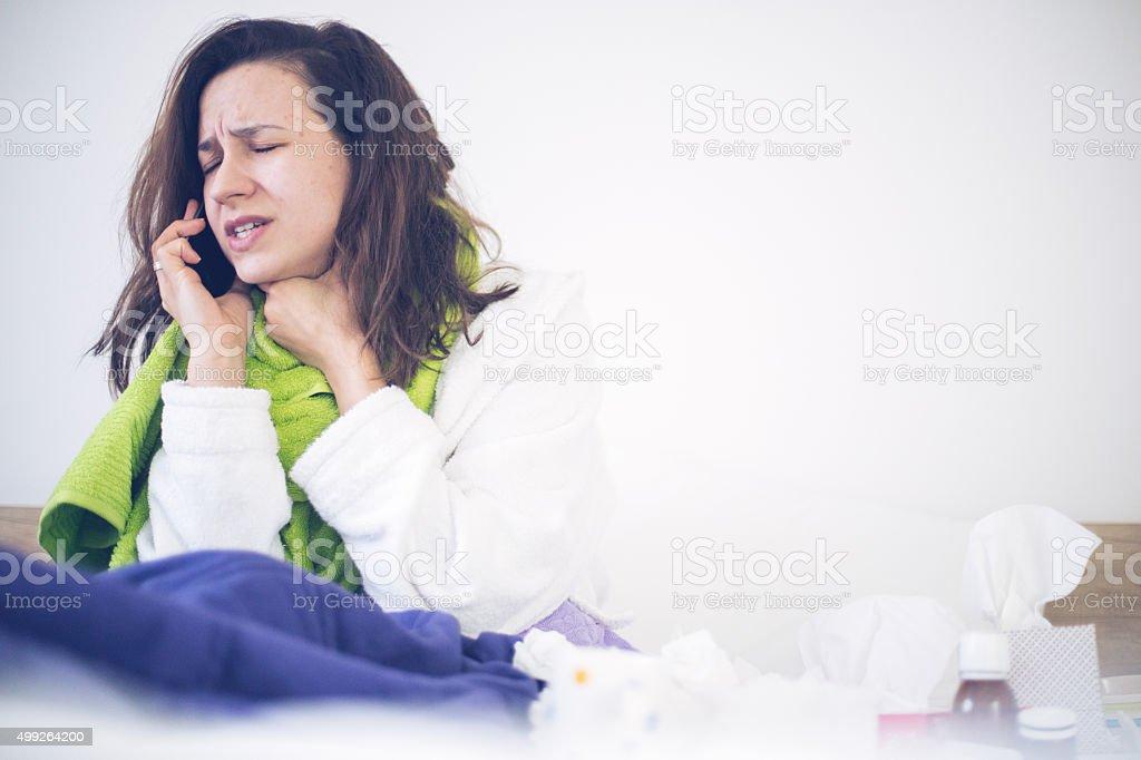 Femme avec douleurs au cou - Photo