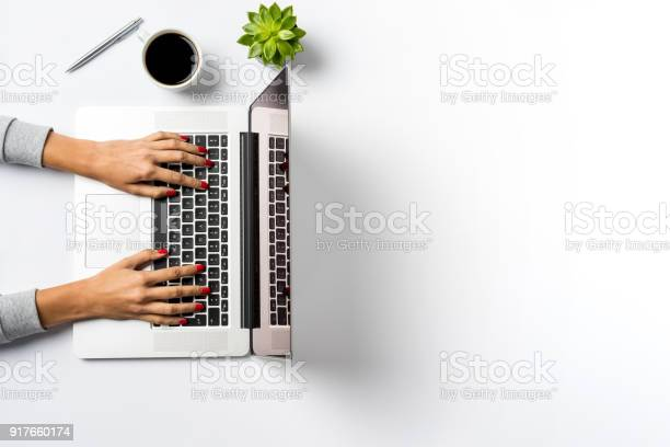 Woman working on laptop picture id917660174?b=1&k=6&m=917660174&s=612x612&h=zcitkweqepqceemjee5divc6wc1gq2p4wjqkvpl4ltu=