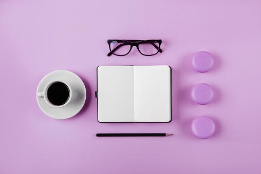 Vrouw Werkruimte Lag Plat Stijl Stockfoto en meer beelden van Achtergrond - Thema