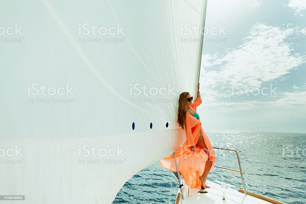 Frau Yachting weißen Segeln Segelboot-Luxus – Foto