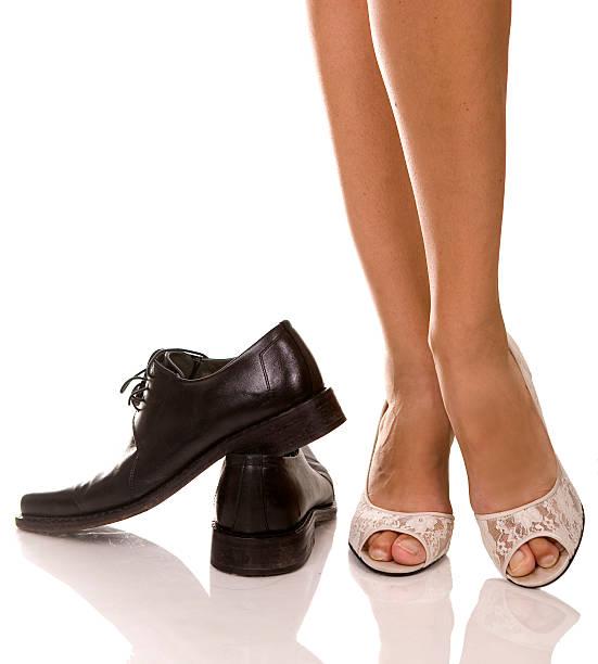 Mujer y hombre de los zapatos - foto de stock