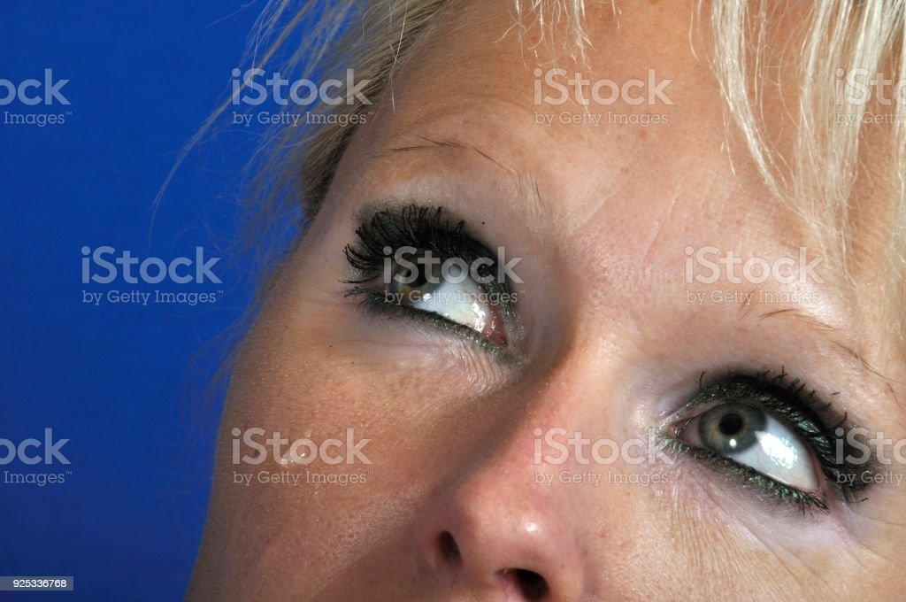 Femme En Larme oeil de la femme avec larme – photos et plus d'images de adulte | istock
