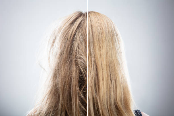vrouw haar vóór en na haar ontkrullen - blond curly hair stockfoto's en -beelden