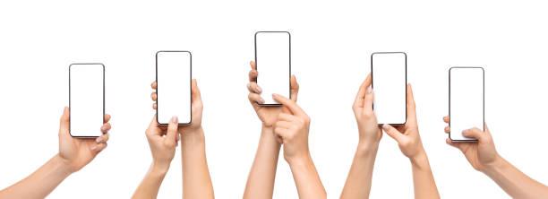 mani della donna con smartphone con schermo vuoto su sfondo bianco - smart phone foto e immagini stock