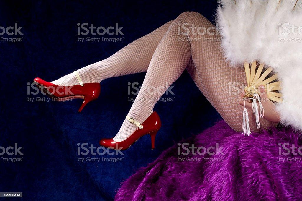 Gambe femminile in Scarpe rosse. foto stock royalty-free