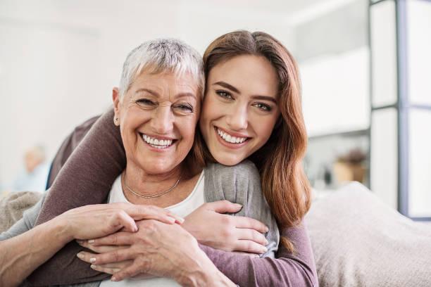 las mujeres son hermosas a todas las edades - hija fotografías e imágenes de stock