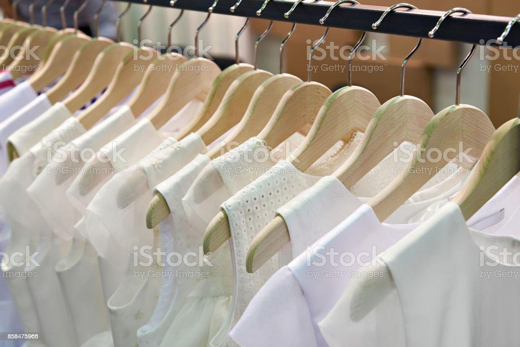 Damen Blusen im store – Foto