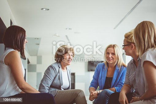 987123762 istock photo Women brainstorming during a training 1094466492