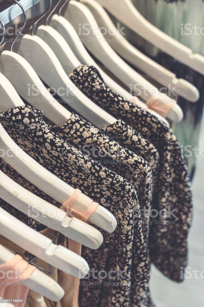 Kadın giyim üzerinde Bali Adası, Endonezya saklayın. Alışveriş kavramı - Royalty-free Alışveriş Stok görsel