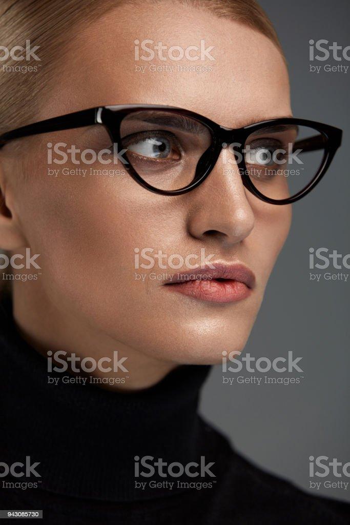 3edf86d3bd Women Fashion Glasses Girl In Eyewear Frame Stylish Eyeglasses Stock ...