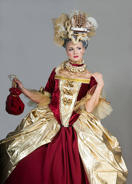women in 18th century style - retro fashion - 18e eeuw stockfoto's en -beelden