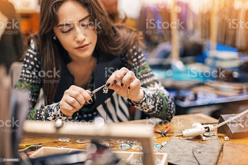 Mulheres nas Artes e artesanato - foto de acervo