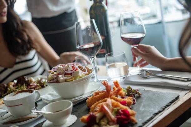 Frauen im Restaurant – Foto
