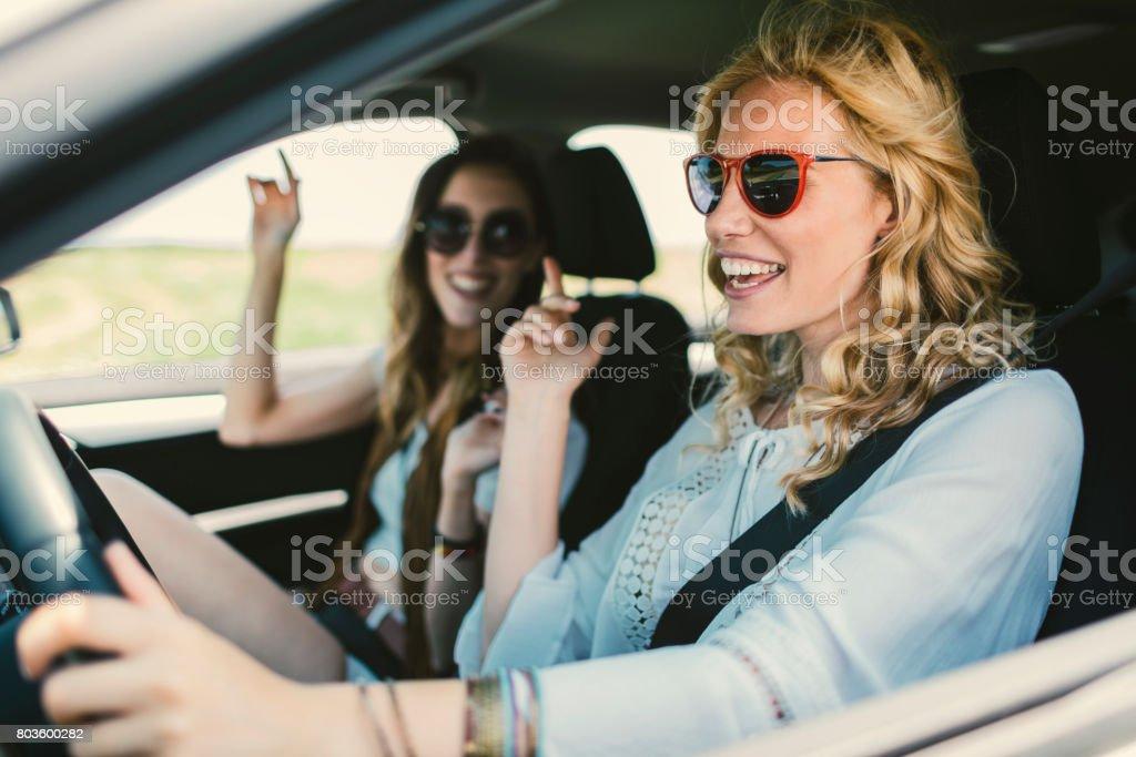 Frauen auf der Roadtrip – Foto