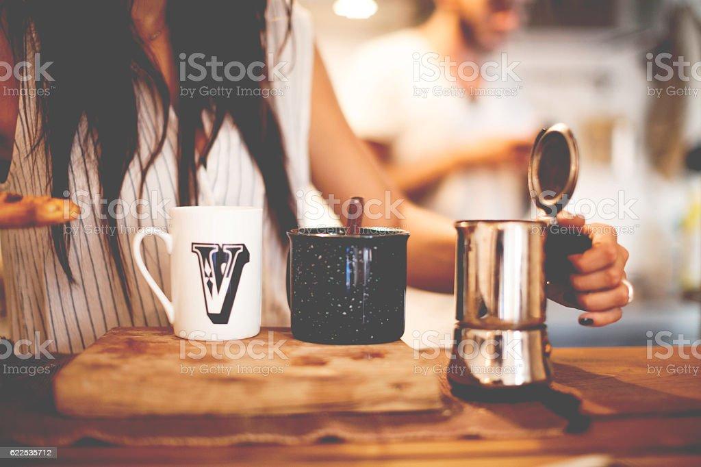 Women prepares Coffee Close Up - foto de stock