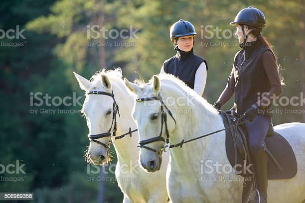 Women riding horses picture id506989358?b=1&k=6&m=506989358&s=612x612&h=pht 68dti69fgmwqbsuvxcehhjib4xcdhd5pkqlrvie=