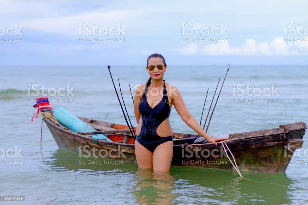 Sexy girls monika bedi