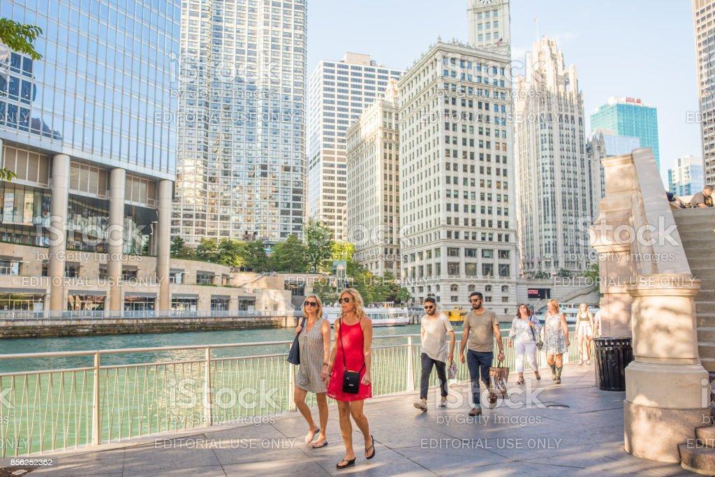 Women shopping downtown Chicago stock photo