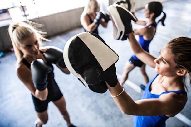Femme la boxe équipe de sport extérieur - Photo