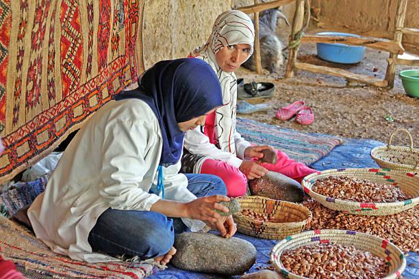 Kobiety pracy w spółdzielni do produkcji arganowe – zdjęcie