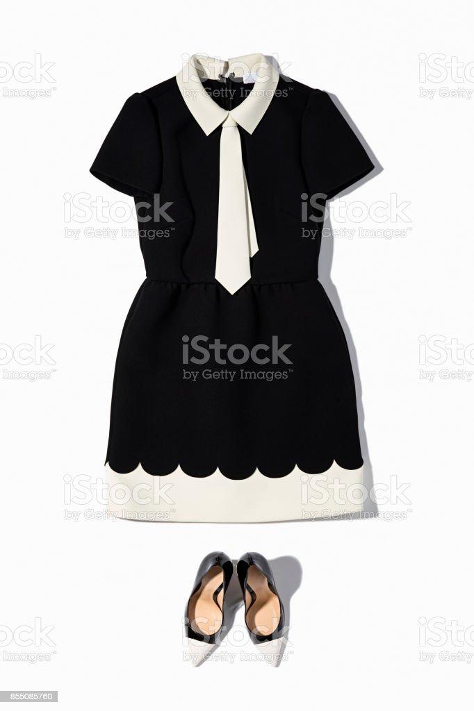 Schwarzen und weißen Kleid mit high Heels Schuhe für Damen – Foto