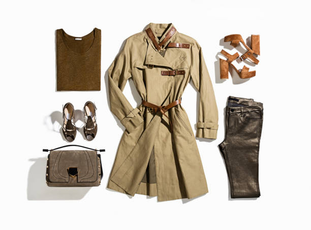 vêtement féminin isolé sur fond blanc - mode automne photos et images de collection