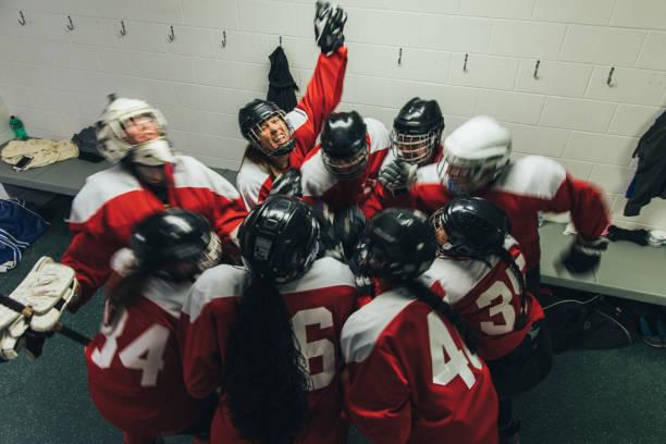 Women's Ice Hockey Team Celebrates