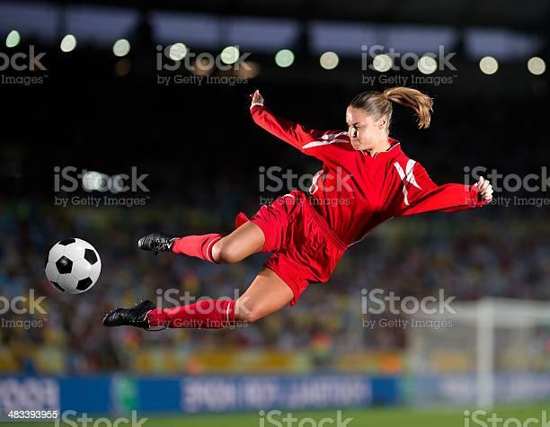 Womens soccer picture id483393955?b=1&k=6&m=483393955&s=612x612&h=zpvlmykmuqrje7 huzcbxxpm97vuaqrj 9oz orudc8=