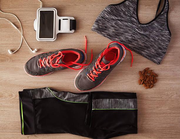 women's sports equipment - design plat photos et images de collection