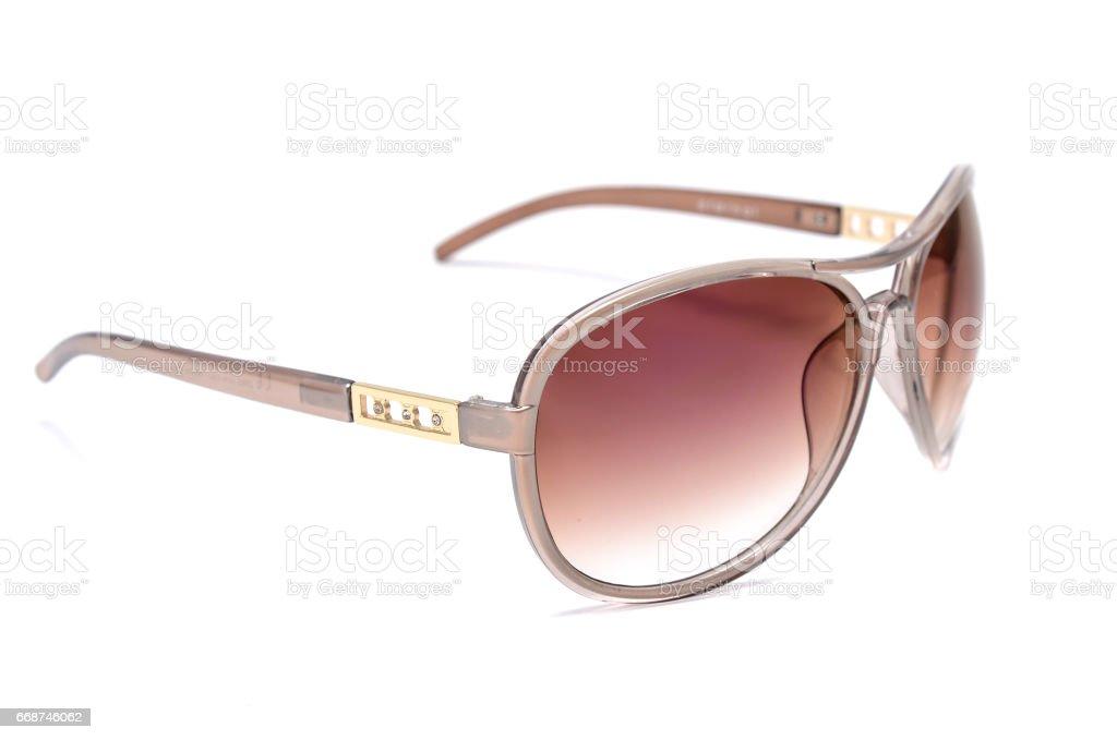 7bff030adf gafas de sol de mujer con cristal marrón aislada sobre fondo blanco foto de  stock libre