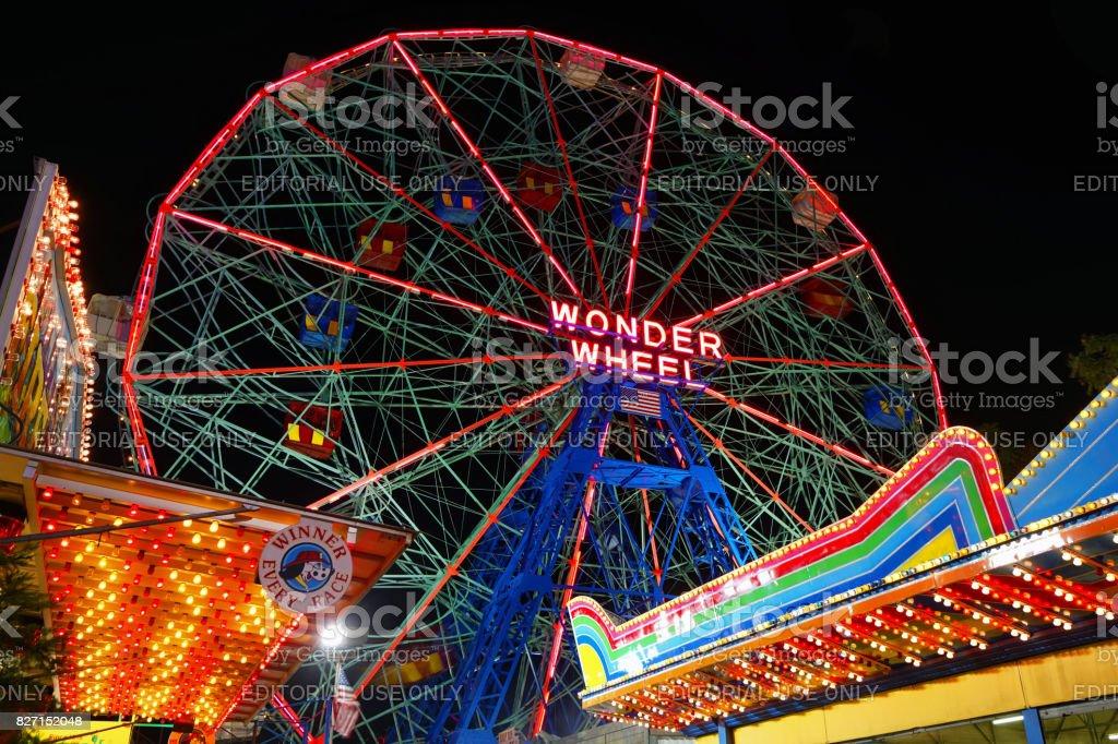 Wonder Wheel. Coney Island. – Foto